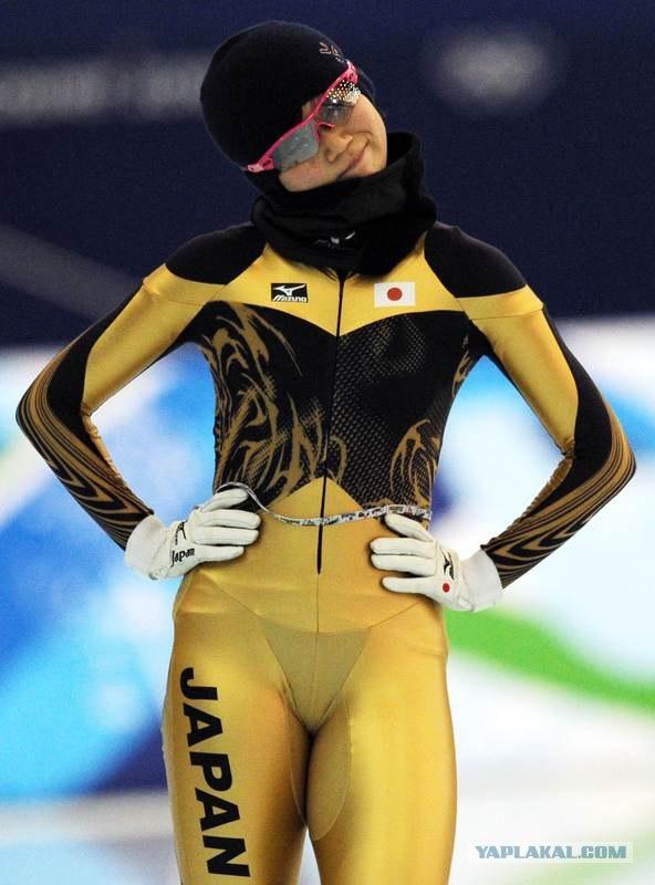 Спортсменка в стрингах фото 471-587