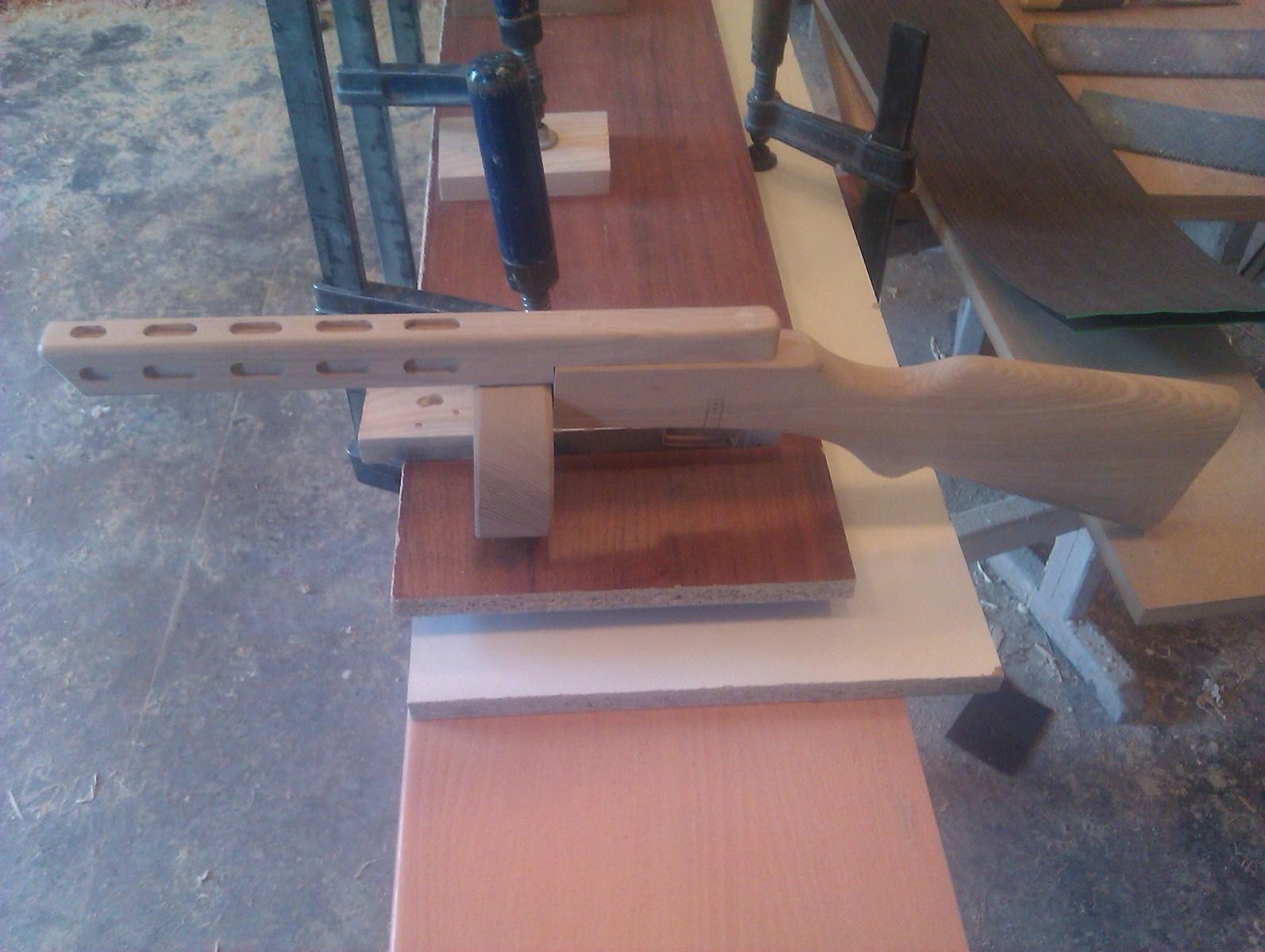 Как из дерева сделать своими руками автомат 149