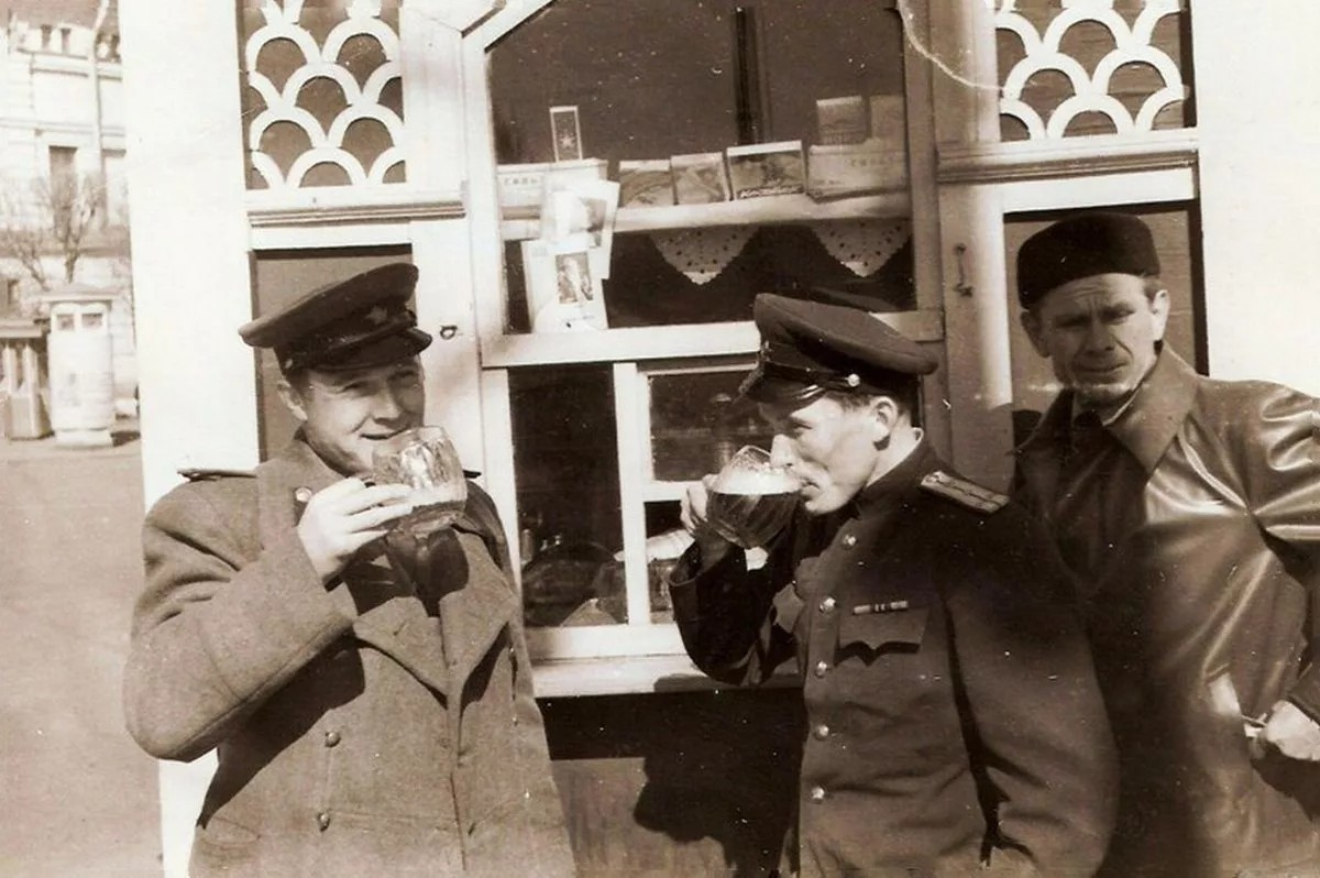помогает картинки про советские пивнушки давно писал ничего
