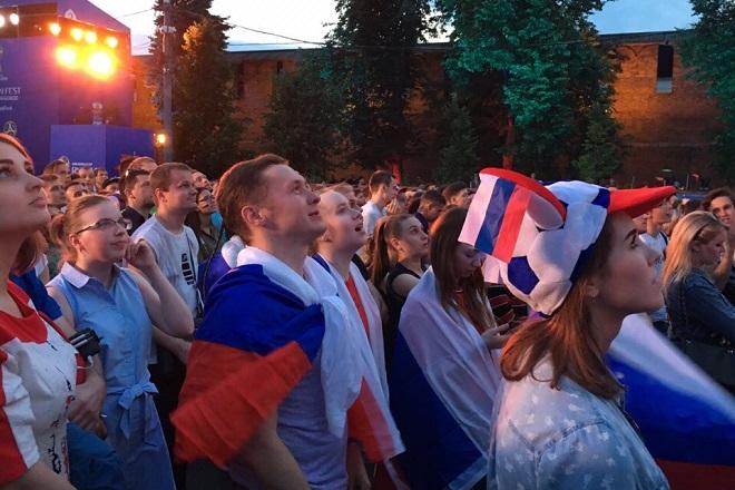 Датские и немецкие порноактрисы перед игрой национальных сборных решили провести свой матч