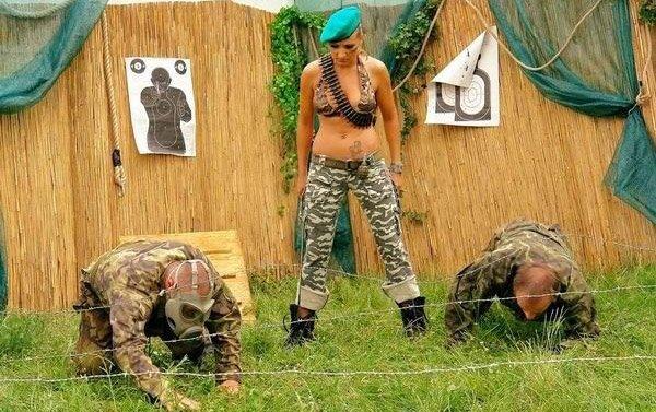 Женщина в армии картинки прикольные, открытка февраля картинки