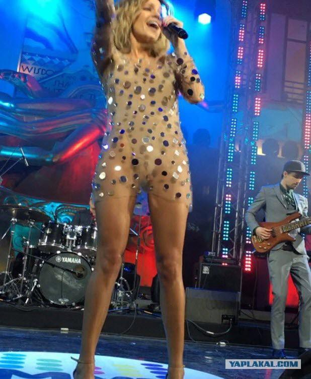 российские певицы без нижнего белья рассматривает увлеченно