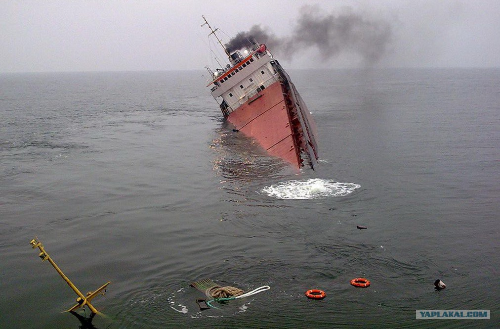 ship accidents Collision of ships is a scary and dangerous event checkout five such ship collision accidents caught on cam.