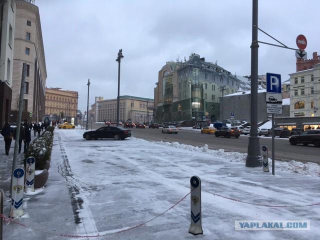 Жители Москвы хотят платную парковку у себя в районе
