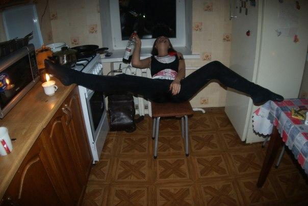 Секс видео пьяная русская дома фото стройные девушки