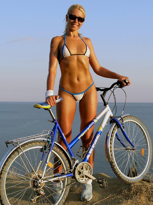Smoking hot girls on bikes