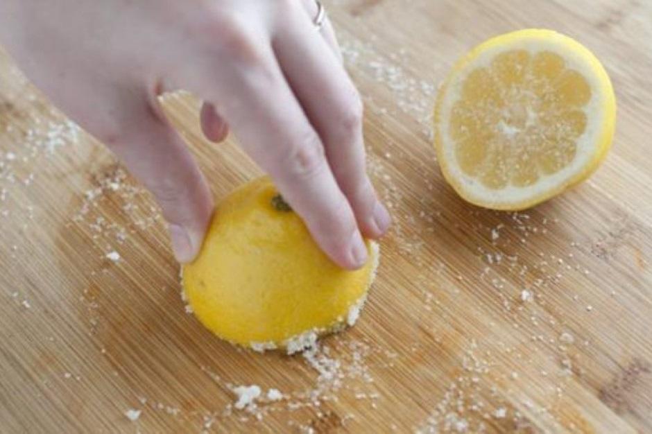 Первый секс засунул лимон