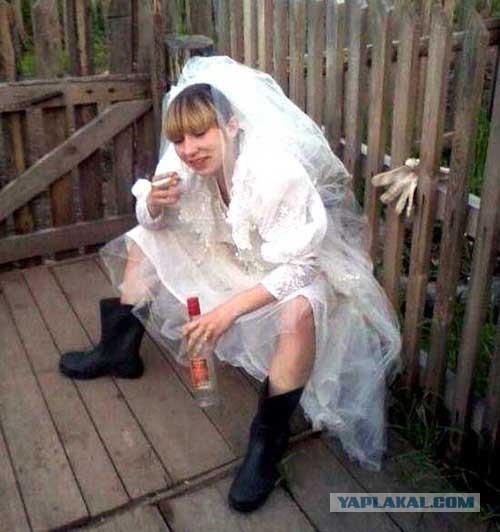 Свидетельницы на свадьбе затмили невесту