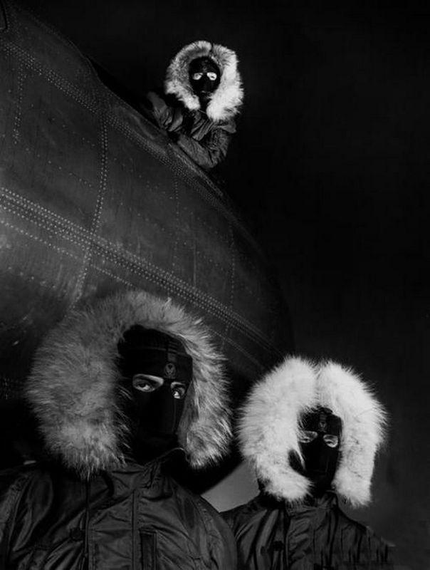 История в черно-белых и цветных фотографиях