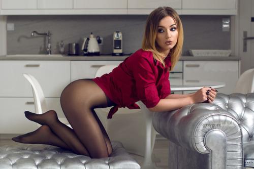 фото девушки в секси колготках