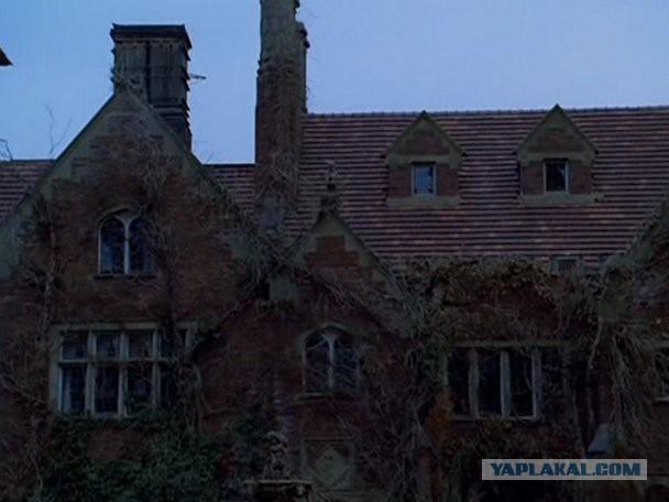 Подборка самых пугающих домов в фильмах ужасов.
