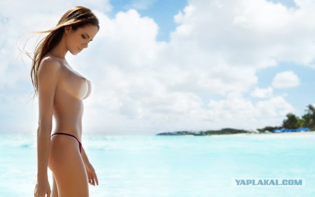 пляжные фото топлес красивых девушек