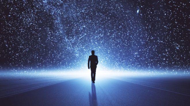 Квантовая механика и теория относительности несовместимы