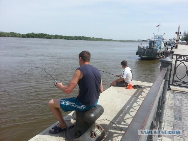 Замутил с женой друга на рыбалке