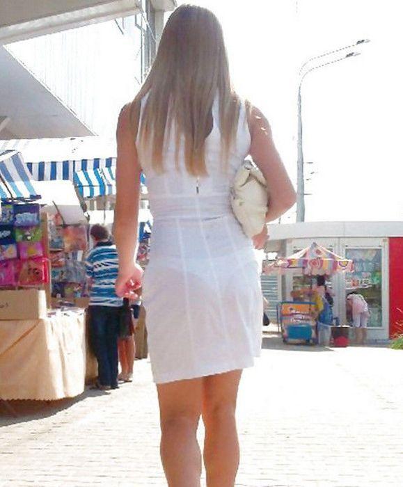 девушки на улице в прозрачной одежде фото