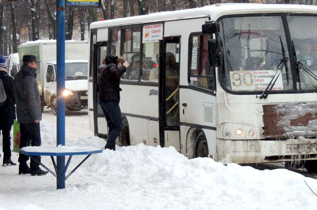 Водитель выгнал школьника из автобуса. Замминистра в шоке