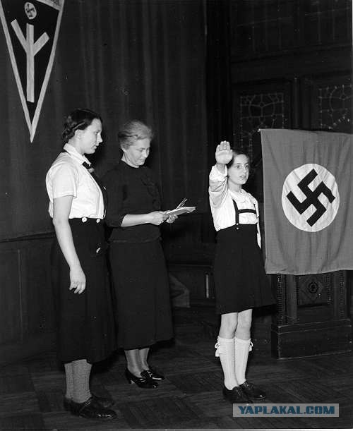 german-youth-during-nazi-domination