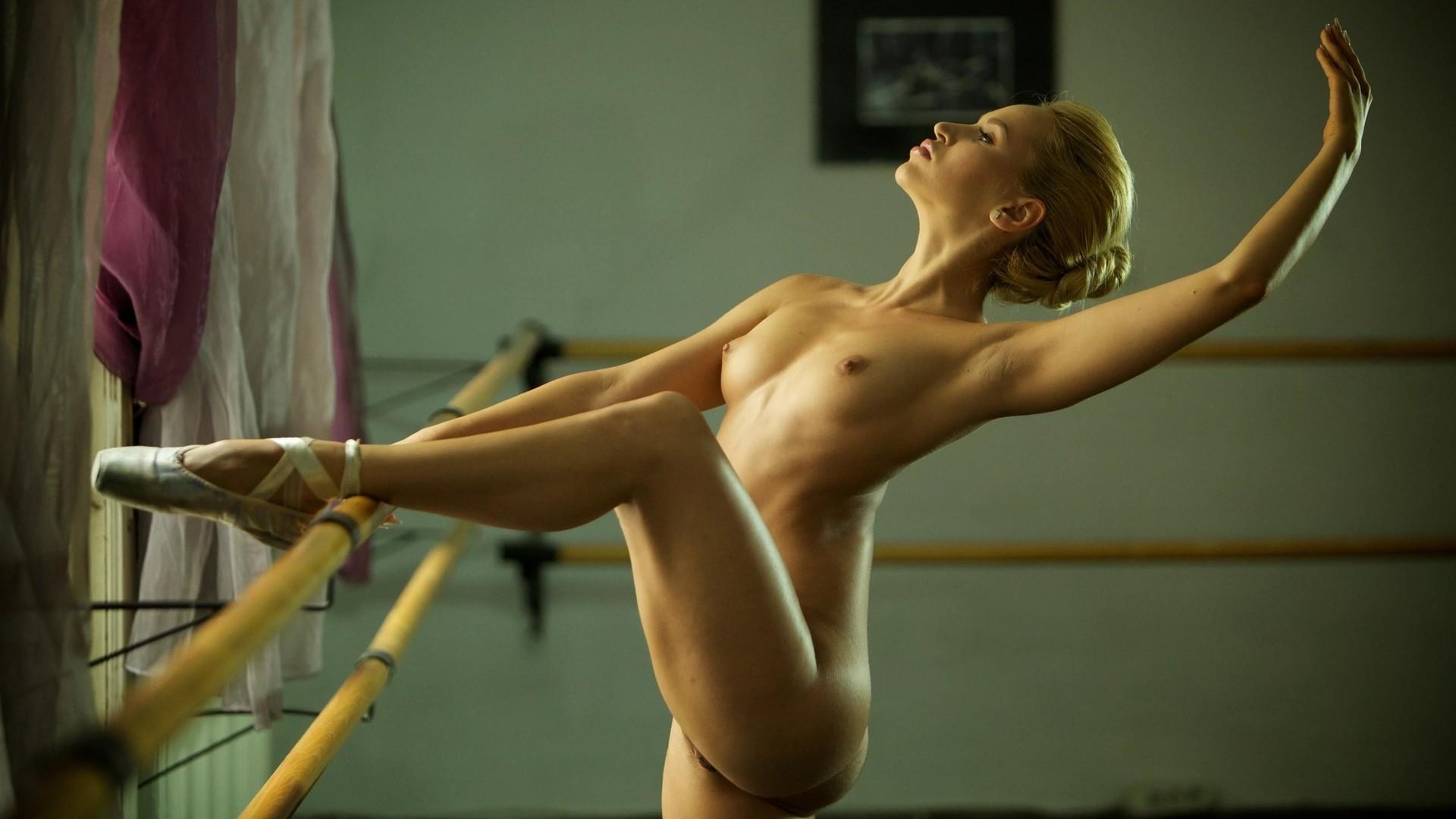 Фото обнаженная балерина #14