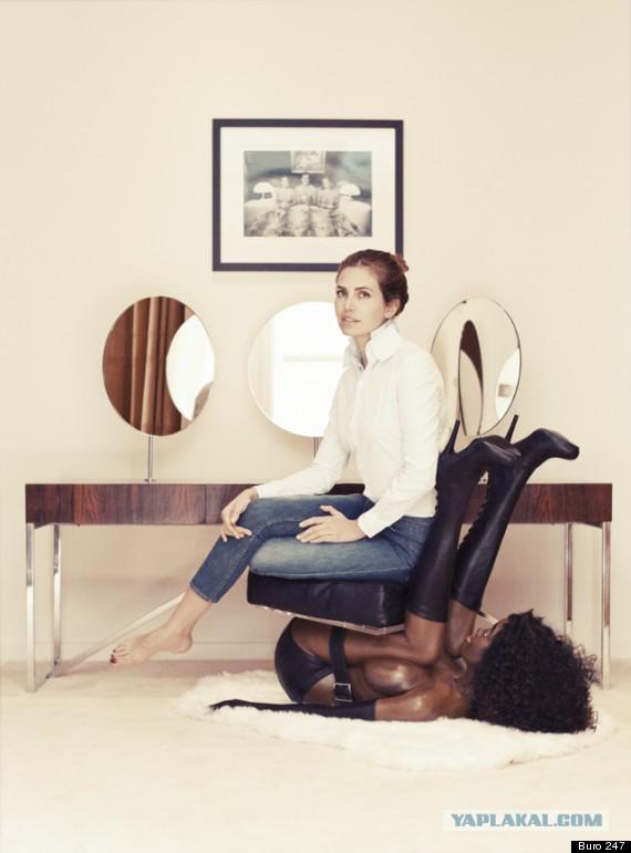 жена на стуле фото