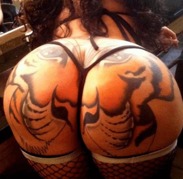 Девушка с тигром нажопе