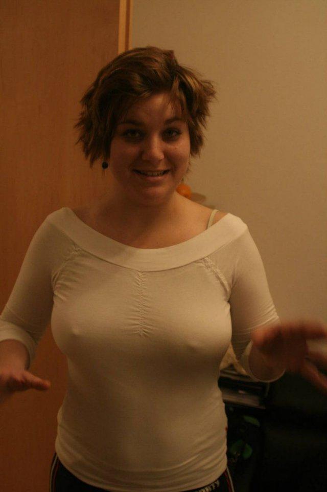 Девушка в лифчике с просвечивающей одежде видео 7