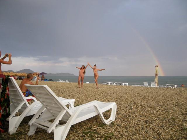 Девушки на отдыхе в Крыму.
