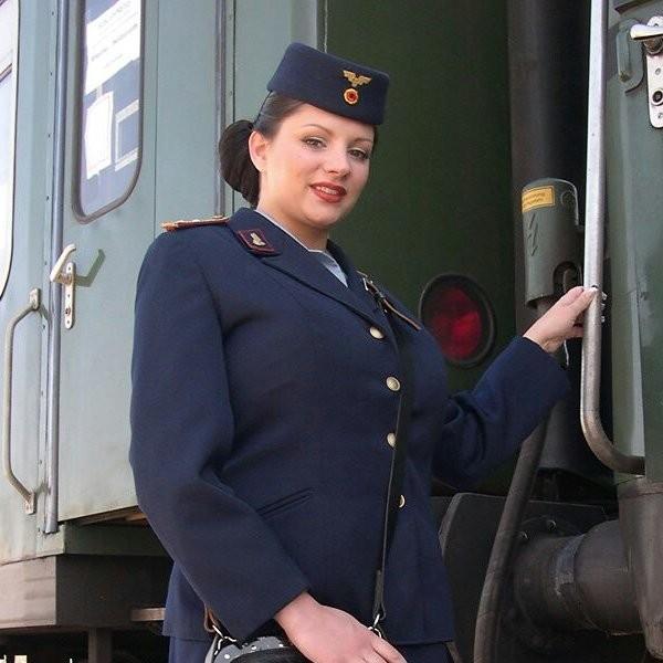 зрелая проводница поезда лесбиянка - 9