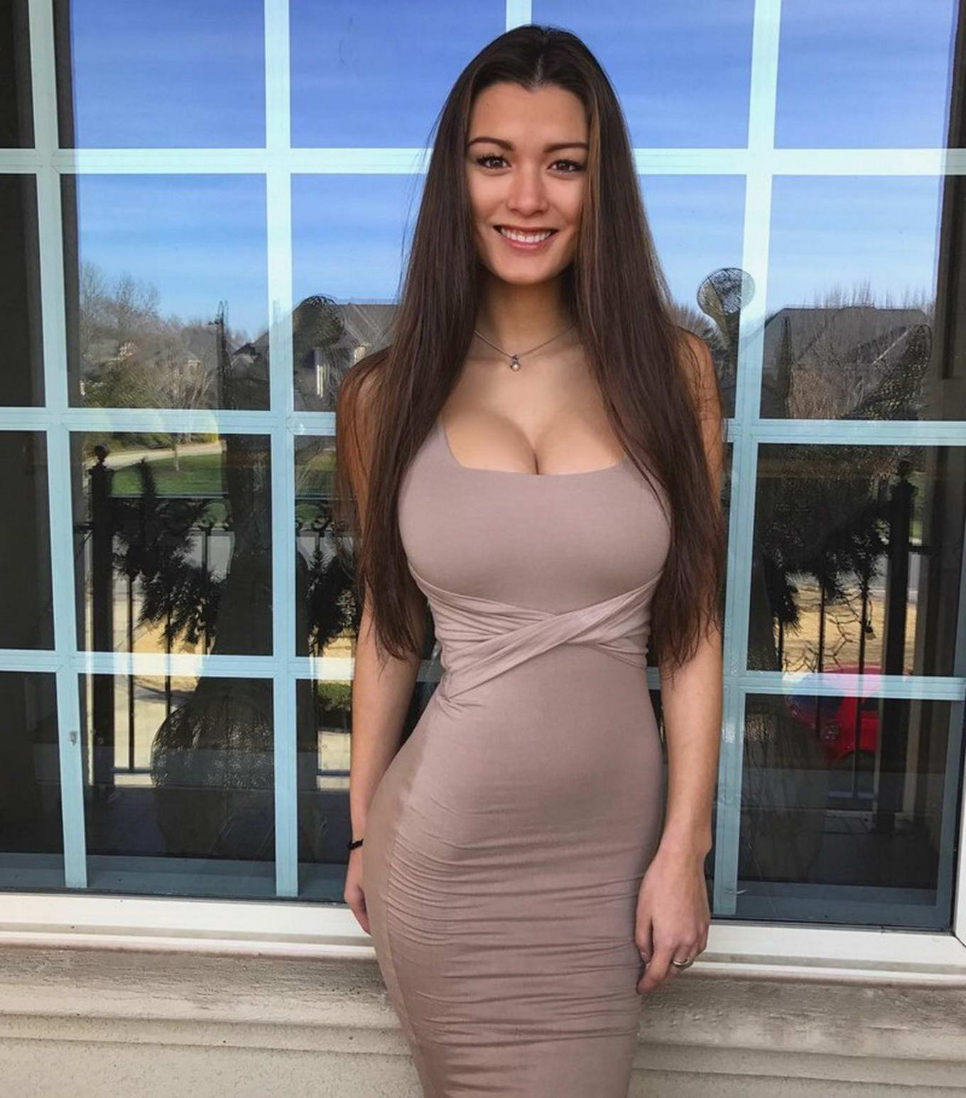 Картинки девушки в платье с большими сиськами — 7