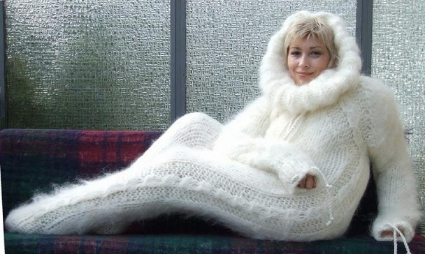 Зимой актуально: боди-комбинезон для подружки Йети