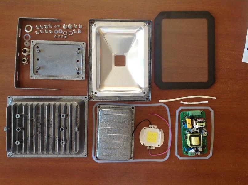 Драйвер для светодиодов (светодиодной лампы) схема.