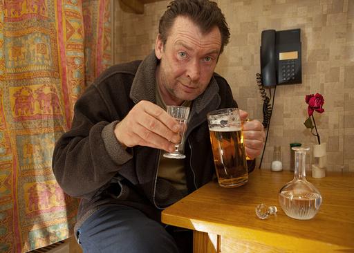 этом почему мужчины в 40 лет начинают пить побрызгаете