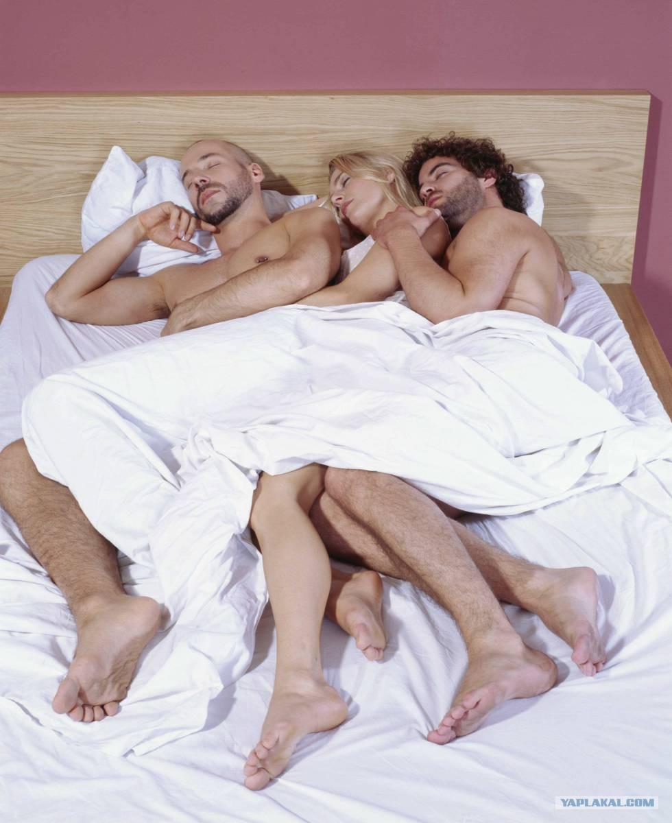 Секс мужиков с теткой с хуем