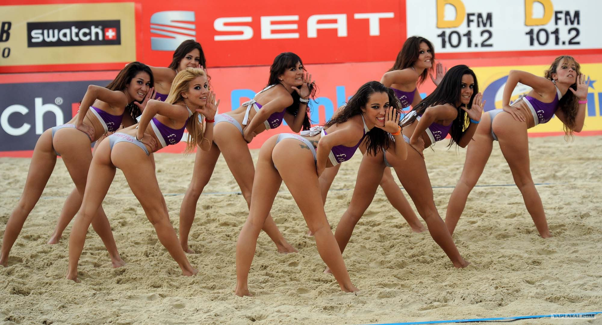 beach-volleyball-women-tits-in-mexico