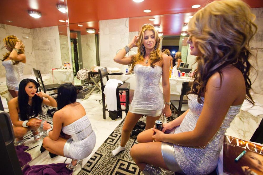 Русскую девочку трахоют в ночном клубе фото 109-392