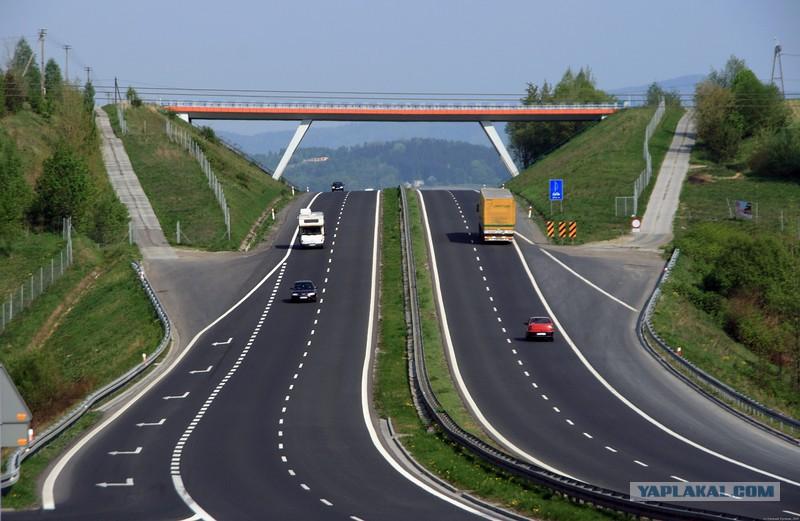 Стык дорог на границе Бельгии и Германии - Hodor