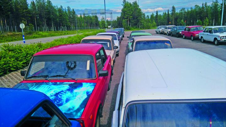 Распродажа брошенных российских машин в Финляндии - ЯПлакалъ 7bcef7300dd