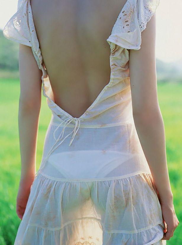 Девушки на улице в прозрачном платье — photo 8