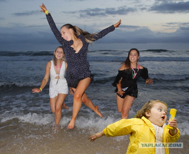 Австралийские выпускники отметили окончание школы