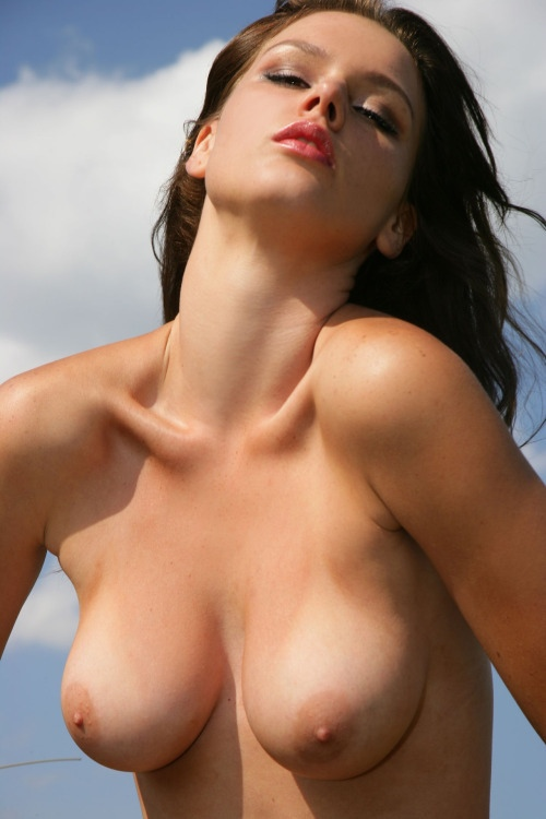 Sexy natural boobs on woman, rumanian nude girls