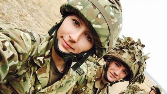 Секс между солдатами в казарме в контакте