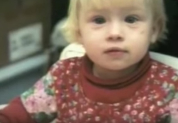 Эта женщина оставила своего младенца в больнице. 20 лет спустя она узнала, что ее дочь стала знаменитой