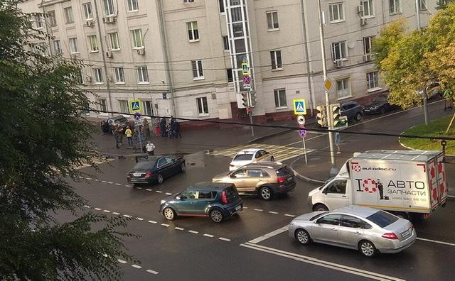 В Москве произошло ДТП с участием машины замглавы Минобороны Евкурова