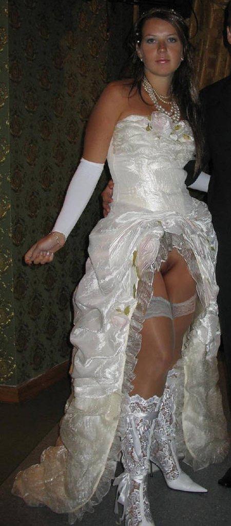 На свадебном конкурсе задрала юбку и засветила чулки