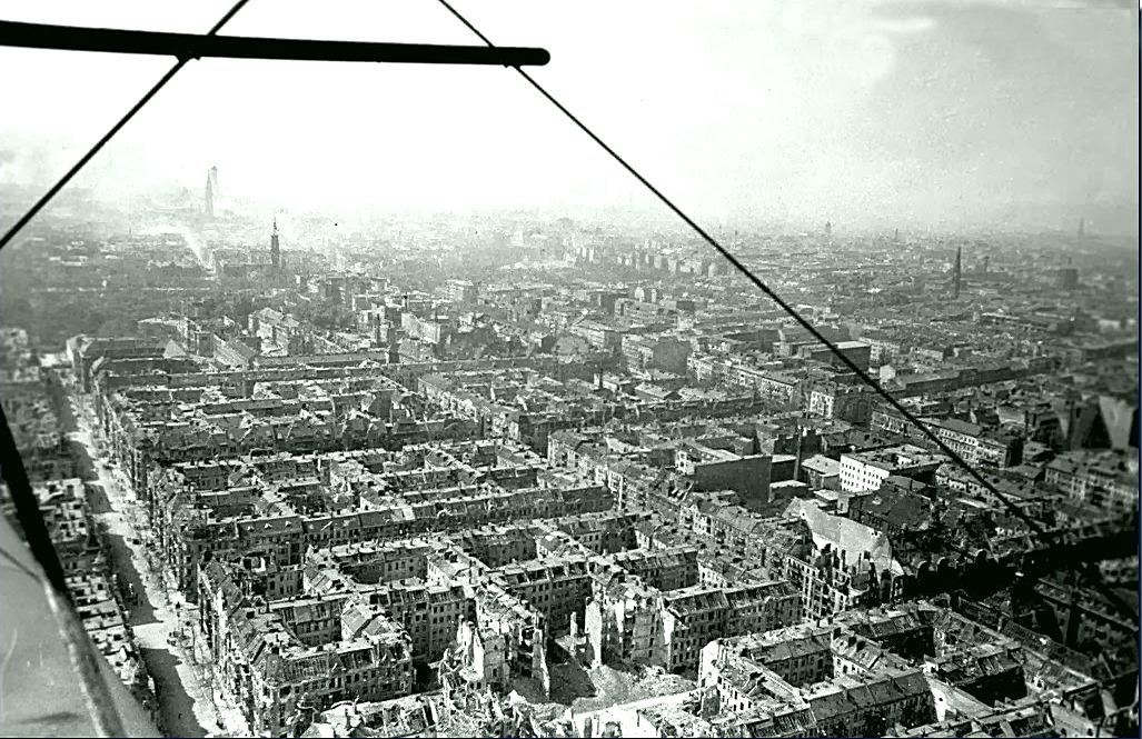 Берлин с высоты птичьего полета, 1945 год