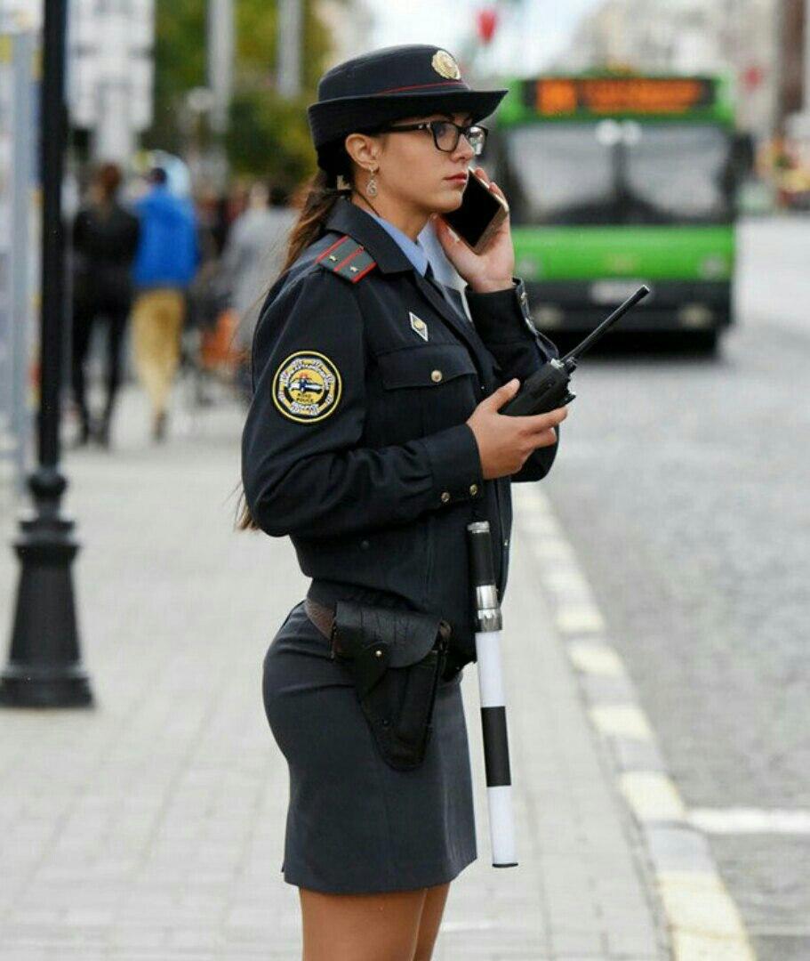 Остановке, картинка полицейский прикол