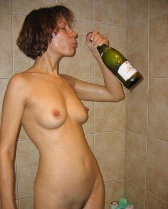 решила делать реальные фото пьяных голых женщин разводить девушку