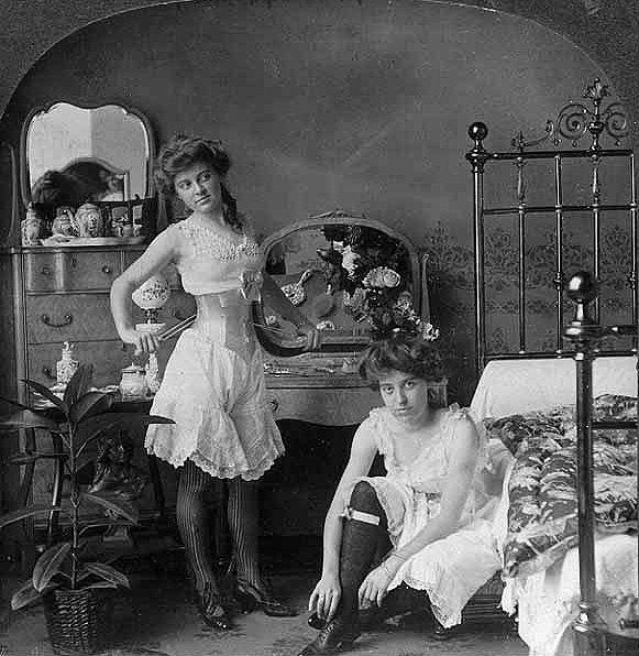Ретро женщины работают в борделе фото 784-850
