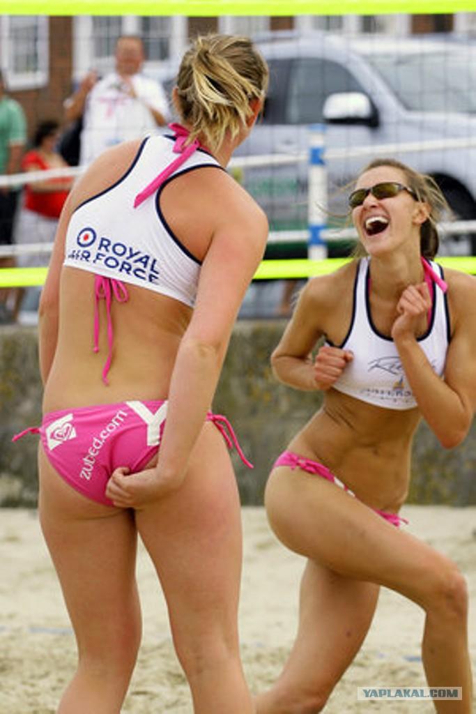 Эротика напляжном волейболе фото 18-305