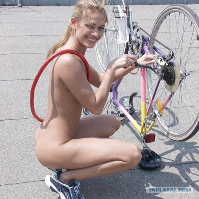 Прекрасные велосипедистки