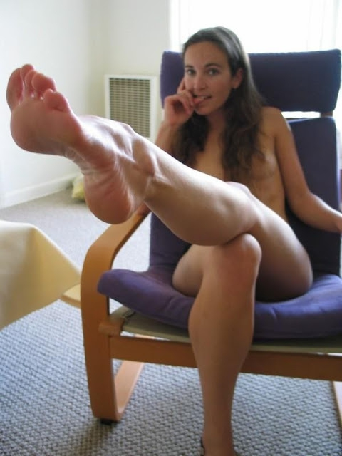 Long Haired With Beautiful Feet Plays His Dick 1
